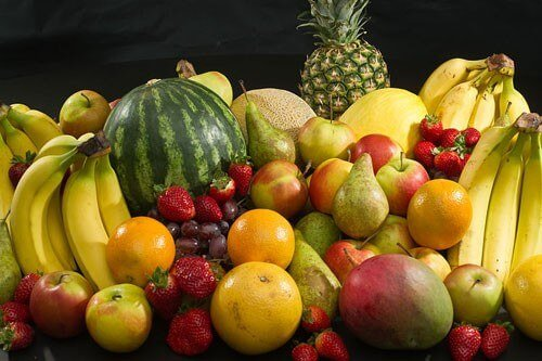 800px-Culinary_fruits_front_view
