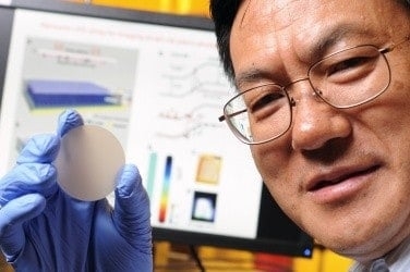 Nanosensor turns pressure into light