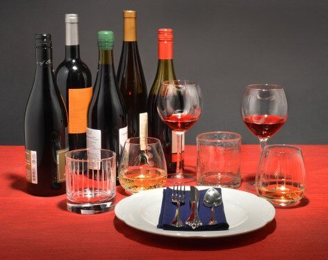 How size, shape and color of wine glass affect how much you pour