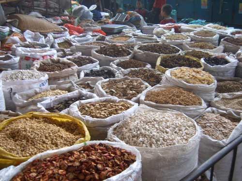 Xi'an_traditionnal_medecine_market_(20)