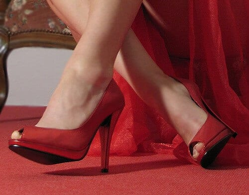 High heels may enhance a man's instinct to be helpful ...