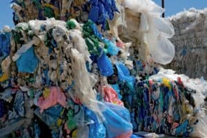 Upcycling: Turning plastic bags into adhesives