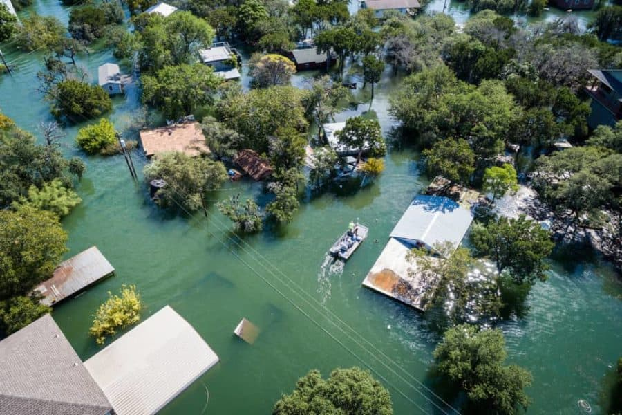 Climate change 'winners' may owe financial compensation to polluters