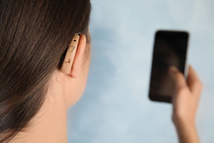 Study suggests smart assistant design improvements for deaf users