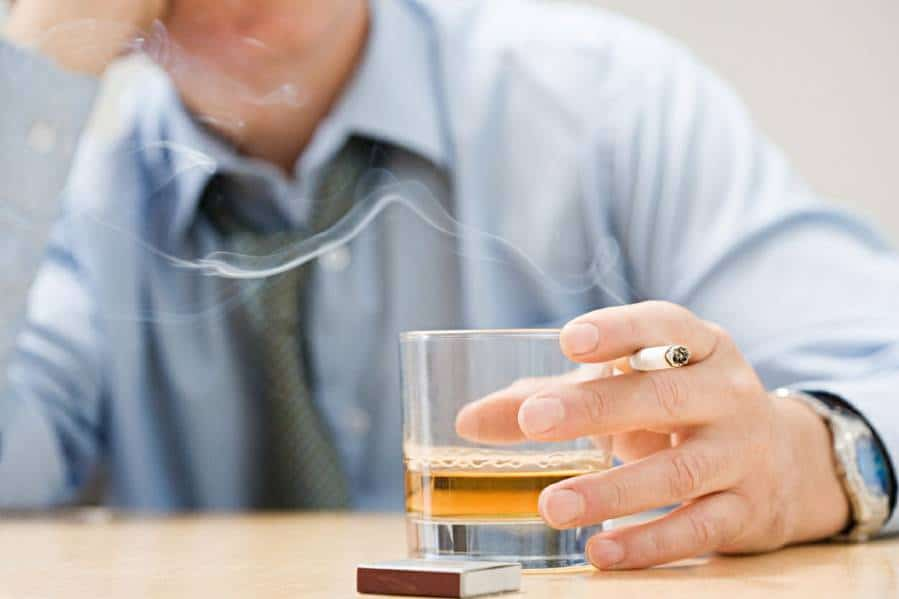 Medication may help heavy-drinking smokers improve their health